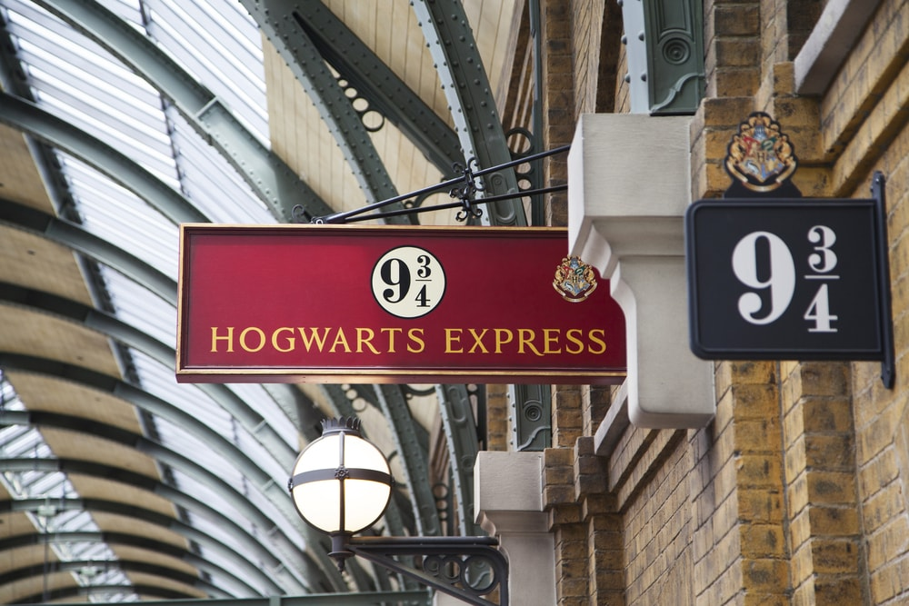 3. London - Harry Potter Magical London Adventure with Platform 9 3:4 Visit